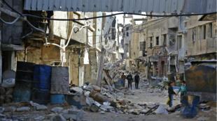 Une rue détruite dans le quartier de Tadamon, le 3 novembre 2018.