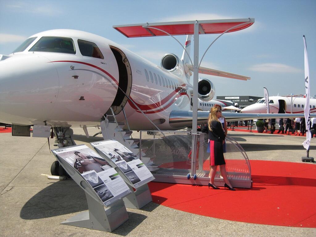 معرض لوبورجيه للطيران والفضاء قرب باريس في 17 حزيران/يونيو 2015