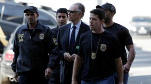 Presidente del Comité Olímpico Brasileño (COB) Carlos Arthur Nuzman llega a la sede de la Policía Federal en Río de Janeiro el pasado 5 de octubre de 2017.