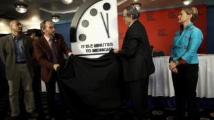 """صورة التقطت في واشنطن في 25 كانون الثاني/يناير لـ""""ساعة نهاية العالم""""."""