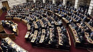 Si Dimas n'obtient pas 180 voix, la Grèce vivra des  élections législatives anticipées.