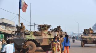 Les forces militaires françaises Sangaris postées à Bangui, le 14 février 2016.