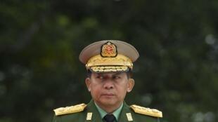 Le chef de l'armée birmane, Min Aung Hlaing, durant une cérémonie marquant le 71e anniversaire du Jour des martyrs, à Rangoun le 19 juillet 2018.