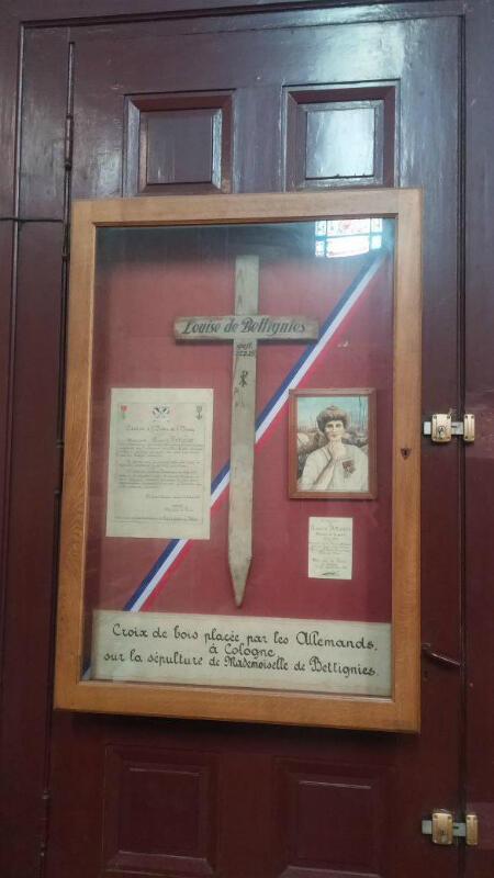 La croix placée par les Allemands sur la tombe provisoire de Louise de Bettignies à Cologne et qui se trouve désormais dans la nécropolenationale de Notre-Dame-de-Lorette.