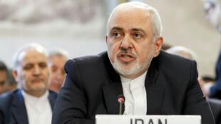 El Ministro de Relaciones Exteriores iraní, Mohammad Javad Zarif, pronuncia su declaración durante la Conferencia de Ginebra sobre Afganistán en la sede europea de las Naciones Unidas en Ginebra, Suiza, el 28 de noviembre de 2018.