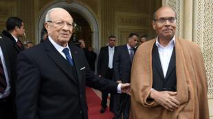 Passation de pouvoir entre Béji Caïd Essebsi (à gauche) et Moncef Marzouki au Palais de Carthage.