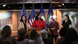Rashida Tlaib, Ayanna Pressley, Alexandria Ocasio-Cortez et Ilhan Omar lors de leur conférence de presse commune, le 15juillet2019.