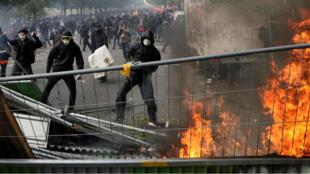 أعمال شغب تخللت مسيرة عيد العمال في باريس 1 مايو/أيار 2018