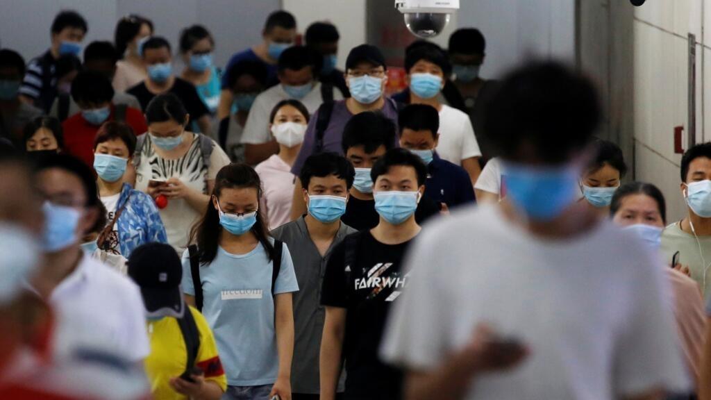 """فيروس كورونا: الصحة العالمية تحذر عدة دول من """"سلوك الاتجاه الخاطئ"""" مع بلوغ الوفيات حول العالم 570 ألفا"""