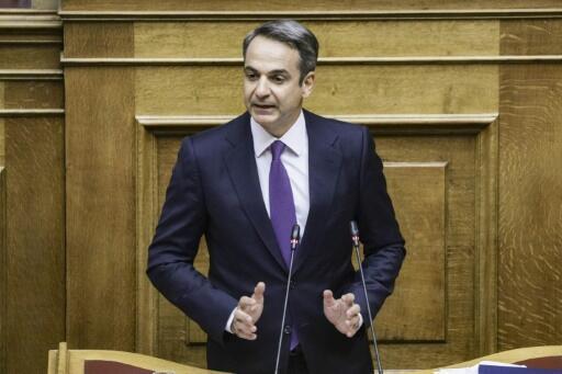 الحكومة اليونانية الجديدة تفوز بالثقة وتعلن عن تخفيضات ضريبية
