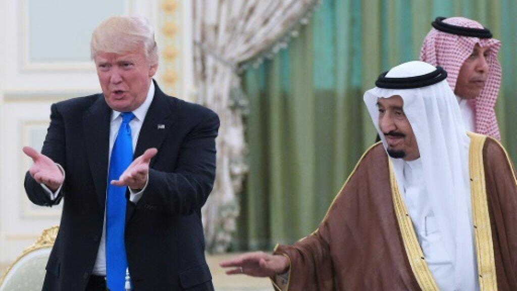 الرئيس الأمريكي دونالد ترامب والعاهل السعودية الملك سلمان بن عبد العزيز في الرياض في أيار/مايو 2017