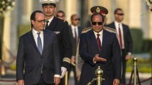 الرئيس السيسي يستقبل نظيره الفرنسي هولاند في القاهرة