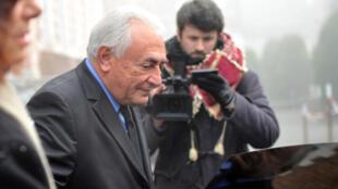 Dominique Strauss-Kahn se rend au tribunal de Lille, le lundi 16 février.