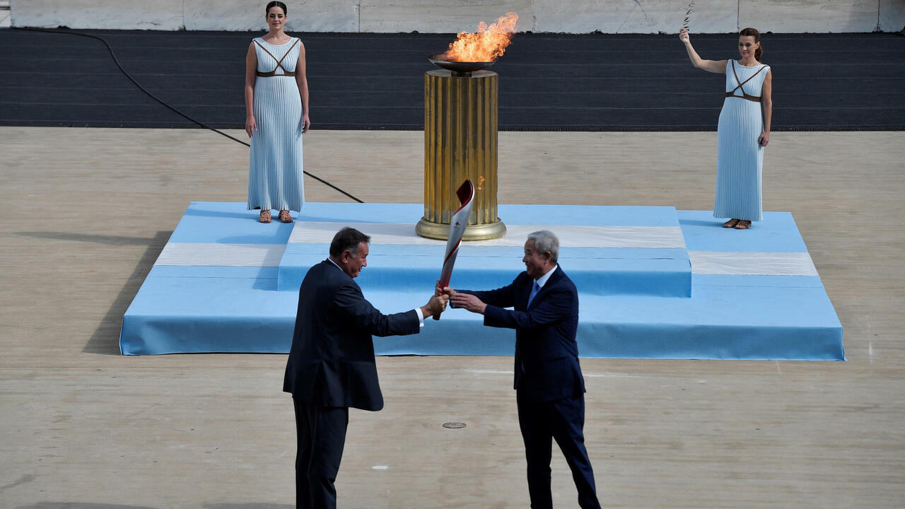 Image Greece hands over Olympic flame to Beijing 2022 hosts