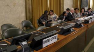 Asientos de la delegación estadounidense vacíos en protesta contra la presidencia venezolana durante la Conferencia de Desarme en la sede europea de las Naciones Unidas (UNOG) en Ginebra, Suiza, 28 de mayo de 2019.