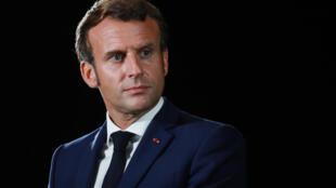 Le président Emmanuel Macron lors de la conférence de presse finale du 7ème sommet MED7 des pays méditerranéens le 10 septembre 2020 à Porticcio, Corse