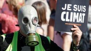 متظاهرون في باريس للتوعية بضرورة الحفاظ على المناخ،21 سبتمبر/أيلول 2019
