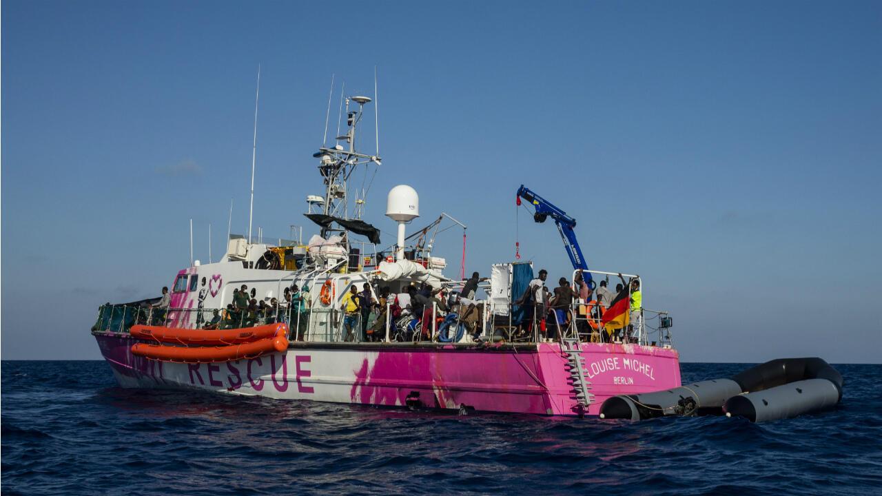 Bansky migrant boat