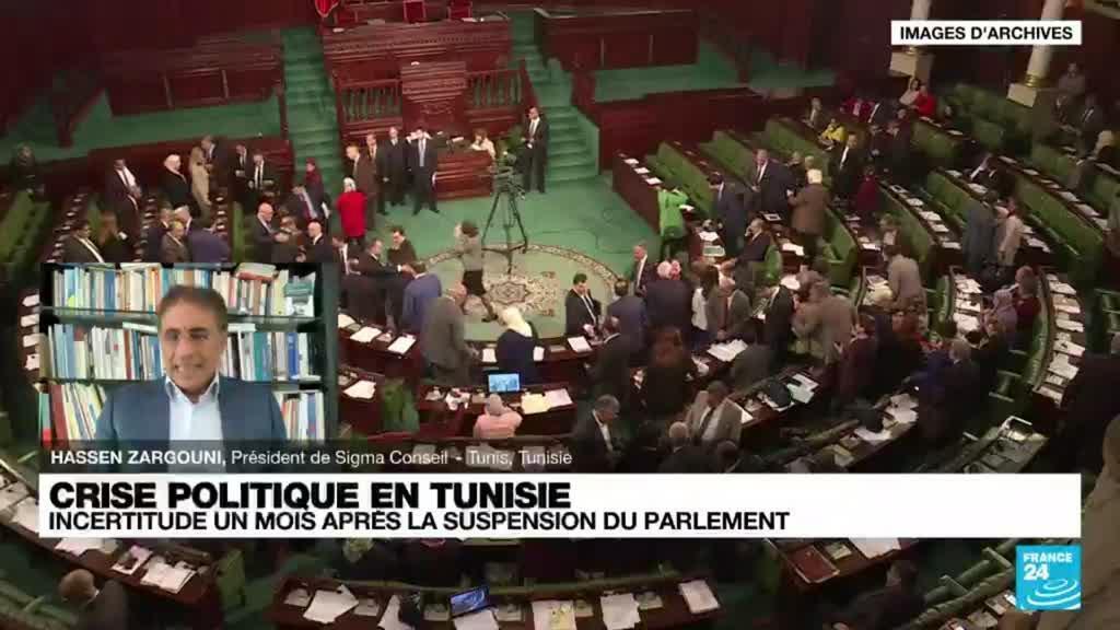 2021-08-23 18:17 Crise politique en Tunisie: Incertitude un mois après la suspension du Parlement
