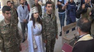 Dans le Haut-Karabakh en guerre, les habitants s'accrochent à la religion