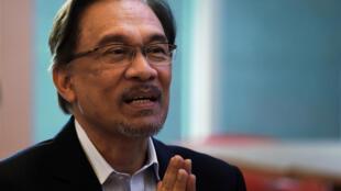 Le chef de l'opposition Anwar Ibrahim à la cour de justice de Putrajaya, près de Kuala Lumpur (photo d'archive du 31 octobre 2014).
