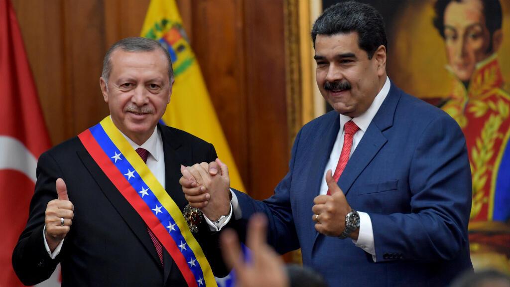 Foto de archivo del presidente venezolano Nicolas Maduro y el presidente turco Recep Tayyip Erdogan en el Palacio Presidencial de Miraflores en Caracas, Venezuela, el 3 de diciembre de 2018.