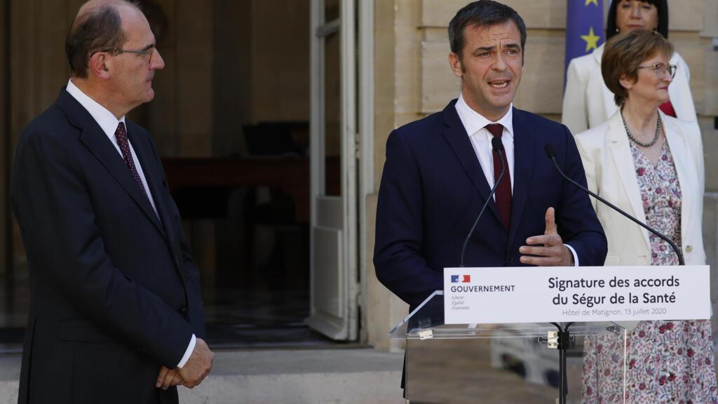 "Les ""accords de Ségur"" officiellement signés, un moment ""historique"" selon Jean Castex"