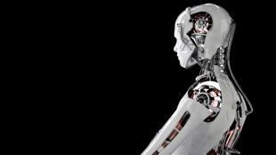 Bill Gates, Elon Musk ou encore Stephen Hawking mettent en garde contre l'intelligence artificielle.