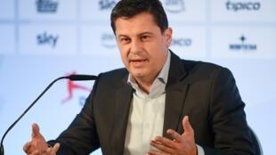 رئيس رابطة الدوري الالماني لكرة القدم كريستيان سيفرت خلال مؤتمر صحافي في 16 آذار/مارس 2020.