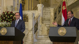 الرئيس المصري عبد الفتاح السيسي ونظيره الفرنسي فرانسوا هولاند في القاهرة