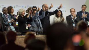 Laurent Fabius, président de la COP21, après la signature du traité.