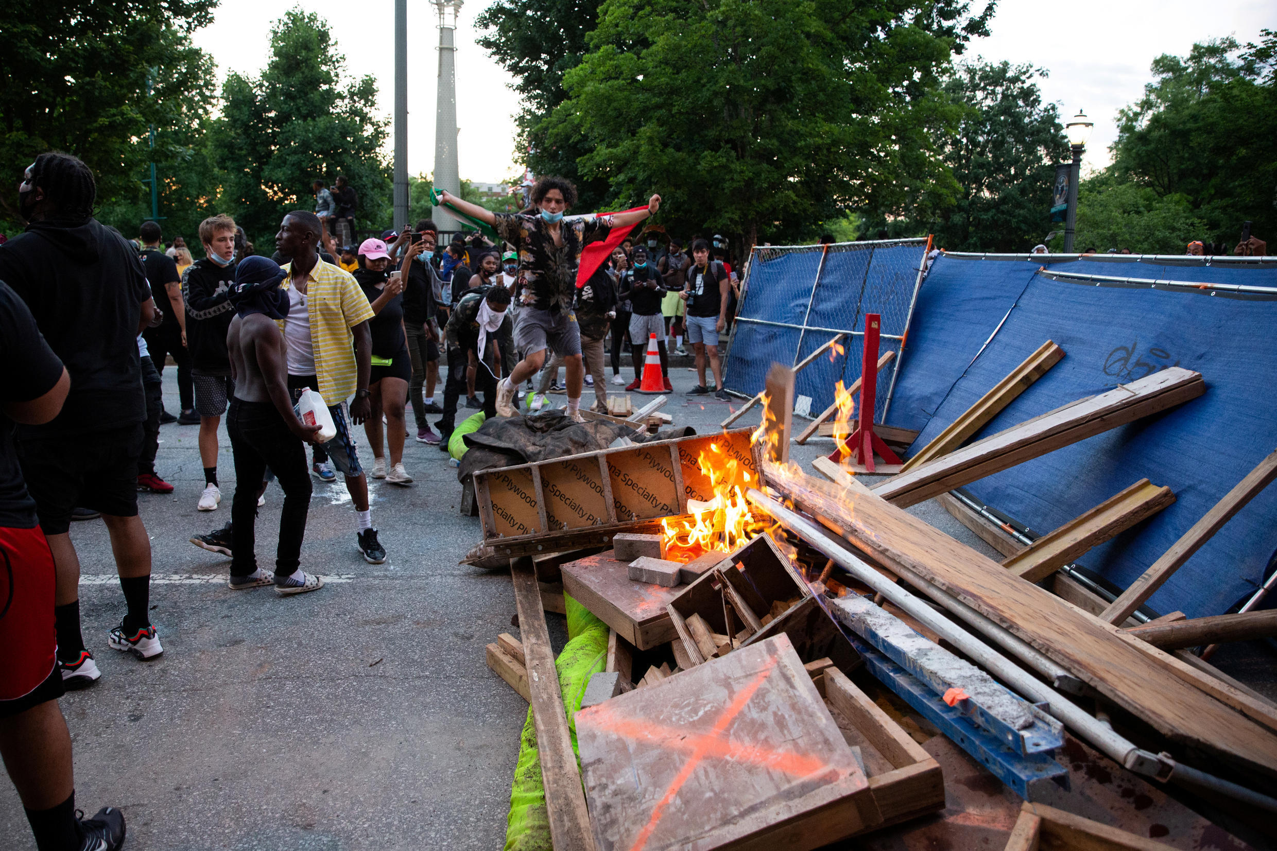 An improvised barricade on fire during a protest against the death in Minneapolis of African American George Floyd, on May 31, 2020.
