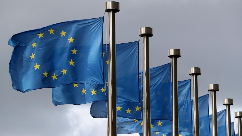 الاتحاد الأوروبي يحذف اسمي الإمارات وسويسرا من قائمة دول الملاذات الضريبية