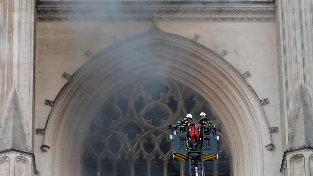 Se produjo un incendio el sábado 18 de julio en la Catedral de Nantes.