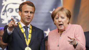 Emmanuel Macron et Angela Merkel, jeudi 10 mai 2018, à Aix-la-Chapelle en Allemagne.