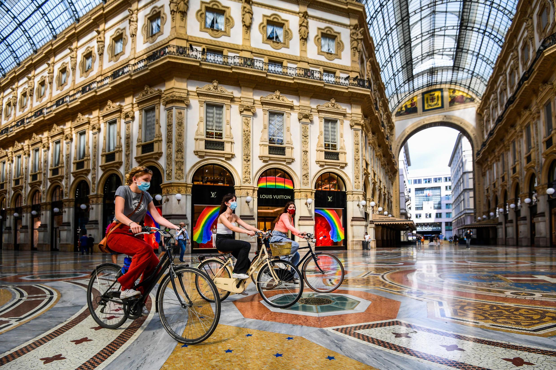 Italia vuelve a abrir sus fronteras con la esperanza de que el turismo ayude a la recuperación económica.