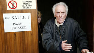 Archival picture shows defendant Pierre Le Guennec leaving a French courtroom in February 2015
