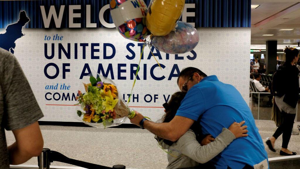 La Cour suprême américaine a validé le controversé décret migratoire de Donald Trump mettant fin à une âpre bataille juridique