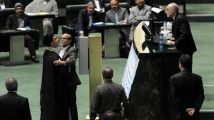 Les débats ont été houleux au Parlement iranien, lors de l'examen de l'accord sur le nucléaire, le 11 octobre 2015.