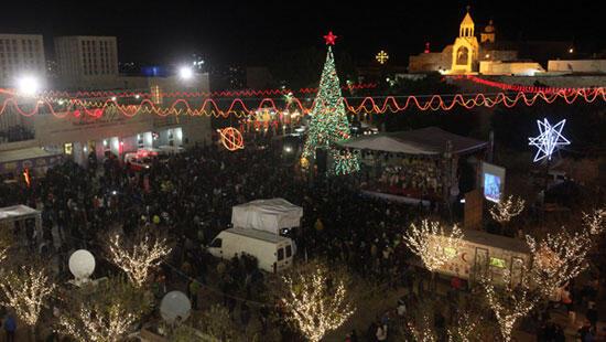 A Bethléem, la place de la Mangeoire, en face de la basilique de la Nativité, a pris des allures de kermesse
