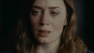 "Emily Blunt, héroïne du film ""La Fille du train"" adapté du roman de Paula Hawkins."