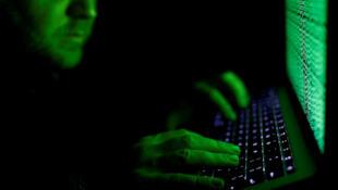 Entre los datos a los que tuvieron acceso los hackers hay documentos internos de los partidos políticos, documentos bancarios personales e informaciones familiares. Archivo.
