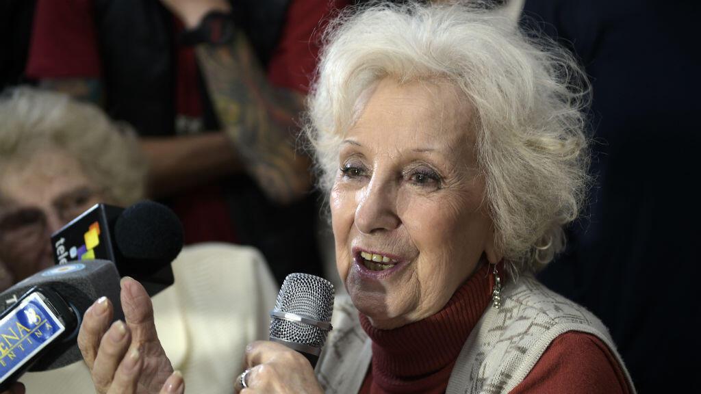 Estela de Carlotto a retrouvé son petit-fils, enlevé lorsqu'il était bébé, pendant la dictature argentine.
