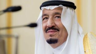 Le roi saoudien Salmane, le 10 avril 2016, au Caire, en Égypte.