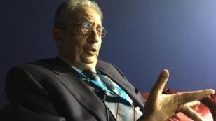 الأمين العالم السابق لجامعة الدول العربية عمر موسى في طنجة (المغرب). 10 تشرين الثاني/نوفمبر 2017