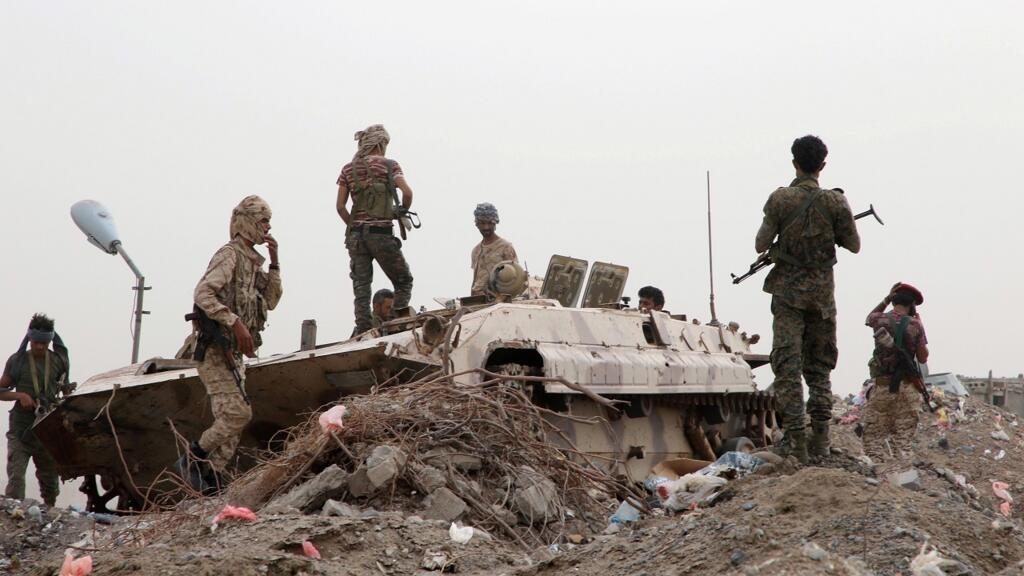 اليمن: الانفصاليون الجنوبيون يسيطرون على معسكرين للقوات الحكومية في محافظة أبين