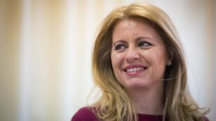 Zuzana Caputova, candidate à l'élection présidentielle, en meeting avec des citoyens de Dunajska Streda, le 7 mars 2019.