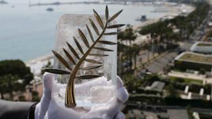 La Palma de Oro es el máximo galardón que puede alcanzar una película en competición en el Festival de Cannes. 7 de mayo de 2018.