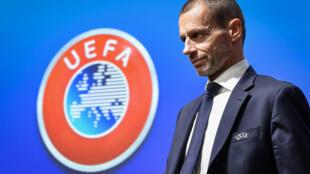 رئيس الاتحاد الأوروبي لكرة القدم السلوفيني ألكسندر تشيفيرين خلال اجتماع للجنة التنفيذية بمقر ويفا في مدينة نيون السويسرية في الرابع من كانون الأول/ديسمبر 2019.