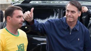 Jair Bolsonaro, après avoir voté dans une circonscription de Rio de Janeiro, au Brésil, le 7 octobre 2018.